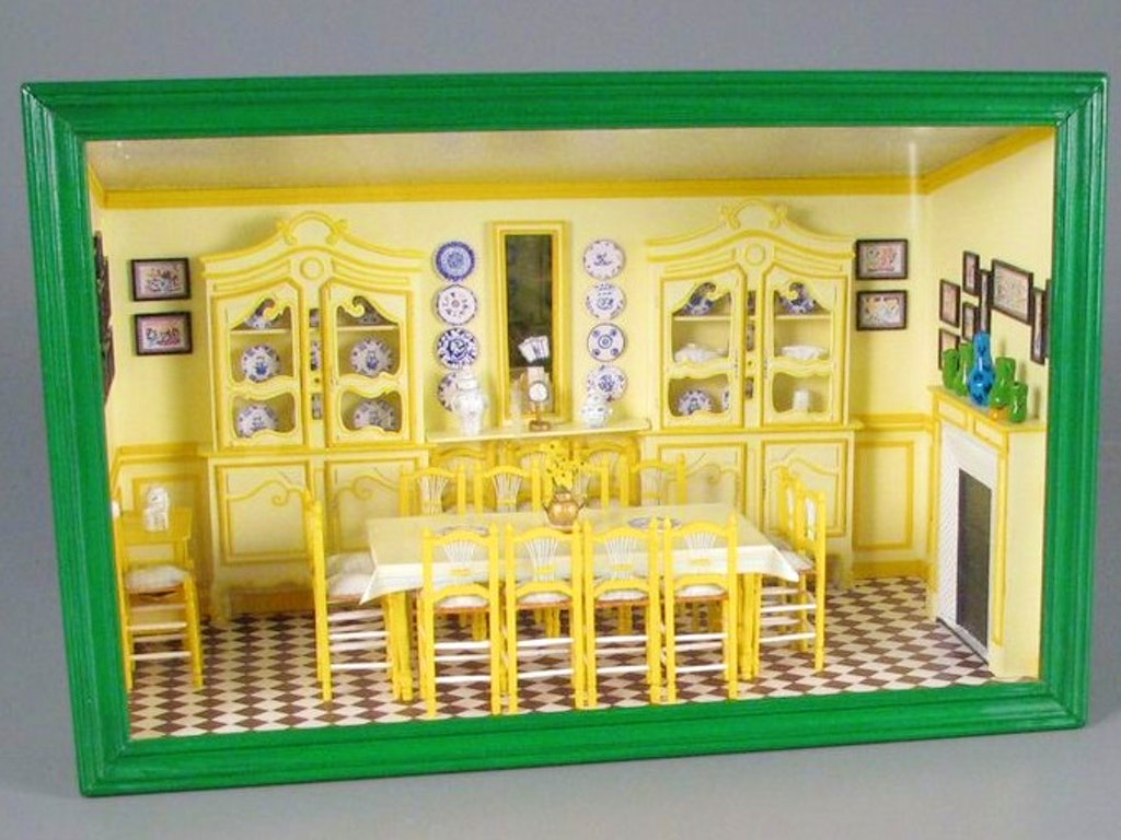 07969e02808c4ede6f3c07a60f9fcac1--dollhouse-ideas-dollhouse-miniatures