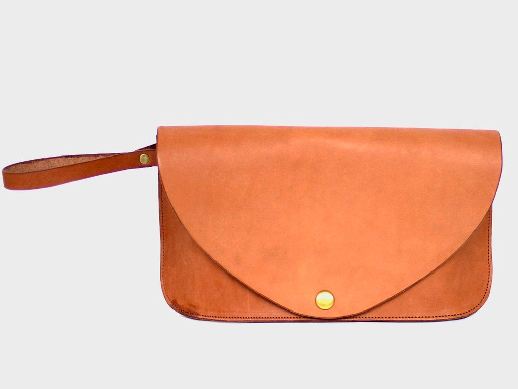 Clutch Tan front