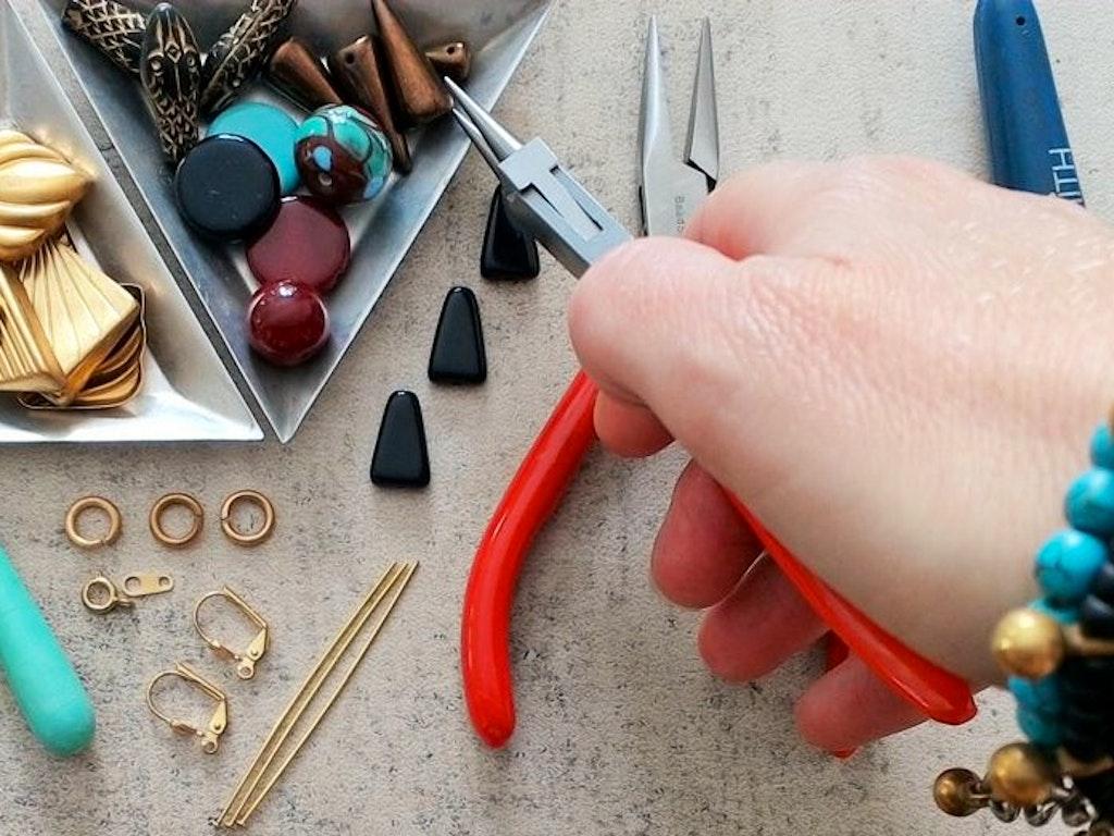 we teach me jewellery making workshop