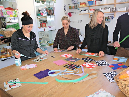 Getting ready for beginners sewing class (Photo credit to MAKEandLEARN)