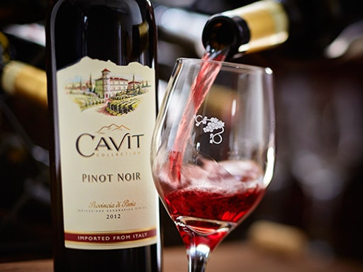 Pinot Noir Masterclass with Wine Tasting Events (Photo Credit to Olive Garden)