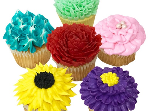 Buttercream Flower Cupcakes with Bakeboss